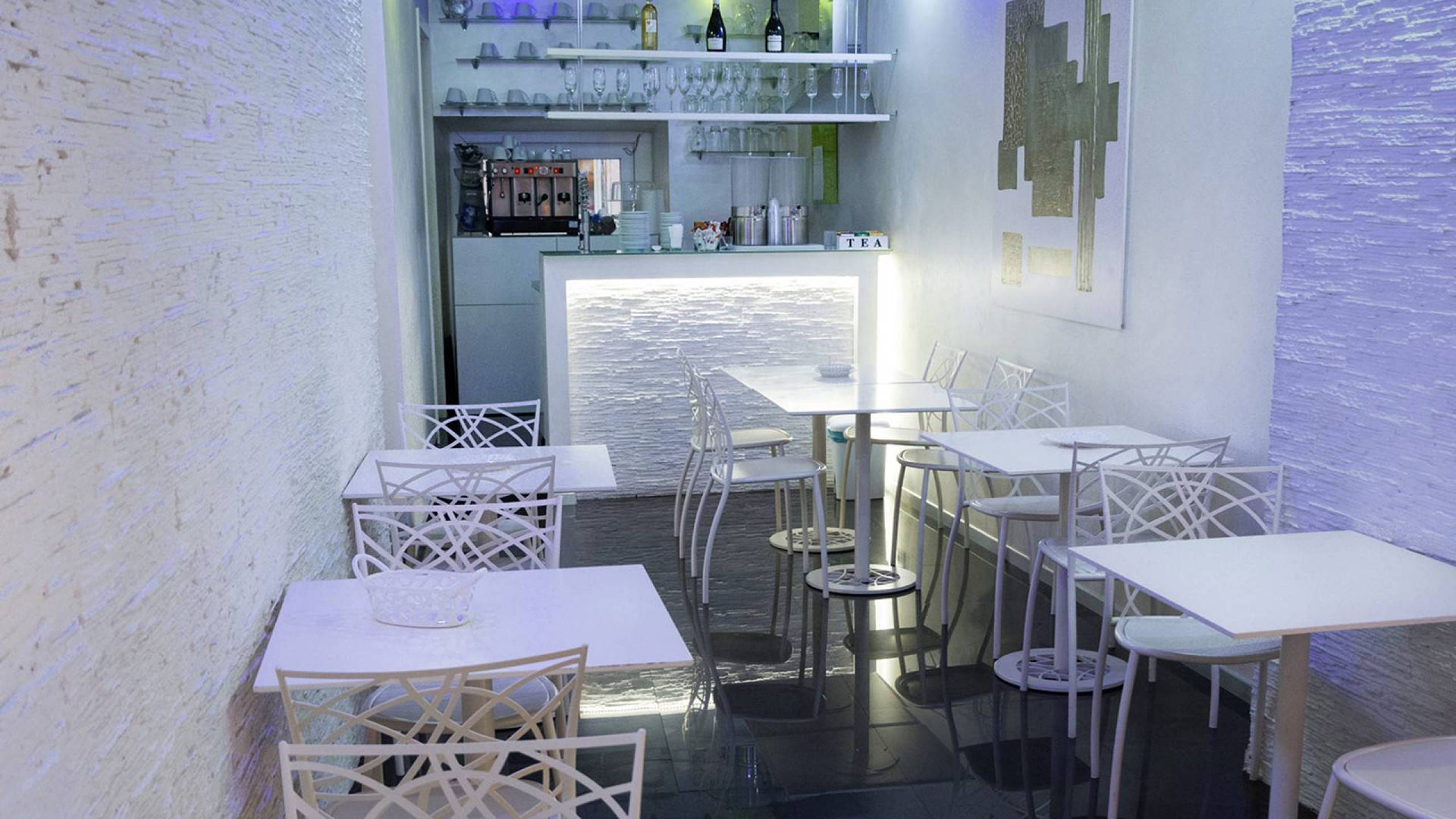 LBH-Hotel-Caravita-roma-sala-colazione-4